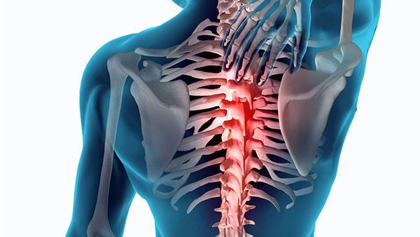 dolor en el esternon y espalda